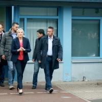 Vote éclair de Marine Le Pen à Hénin-Beaumont